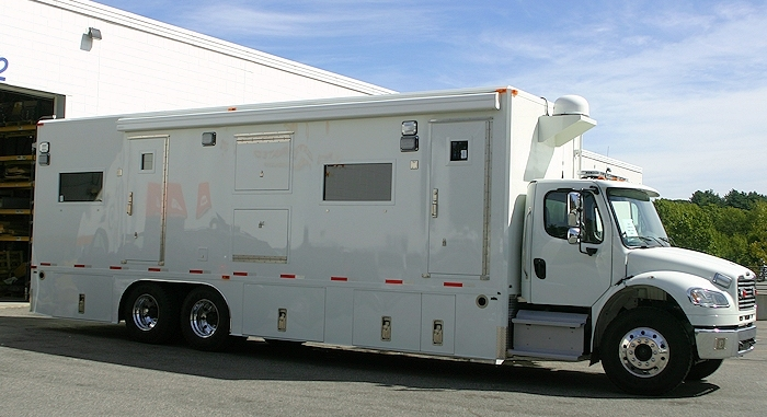 Mobile Command Shelters : Mobile command center accelerated media technologies
